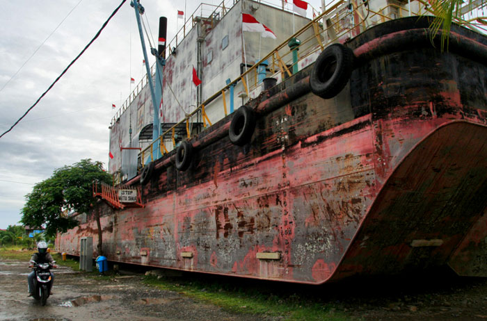 banda aceh ferry tsunami why you should visit Sumatra