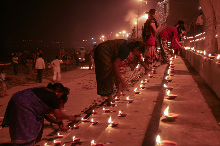 div dewala candles night india amazing things to do in varanasi