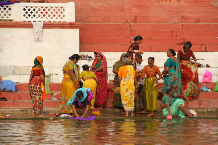 ganga river people bathing amazing things to do in varanasi