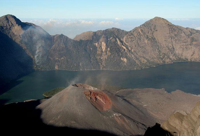 gunung-rinjani. mochilero en Indonesia