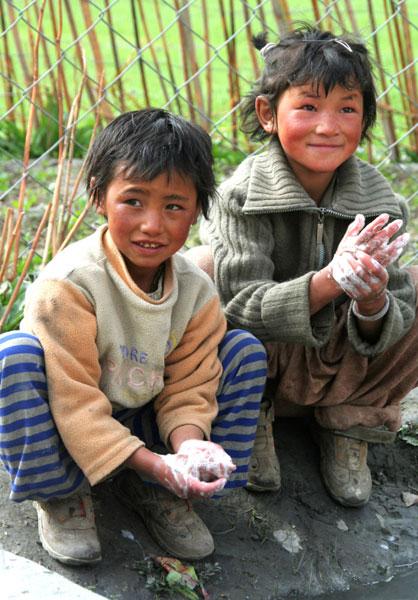 ladakh kids markha valley trek hike