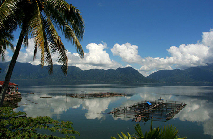maninjau lake why you should visit Sumatra