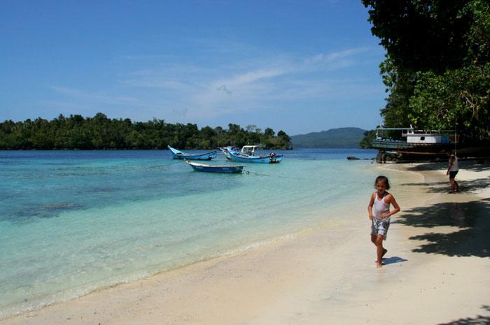 pulau-weh. mochilero en Indonesia