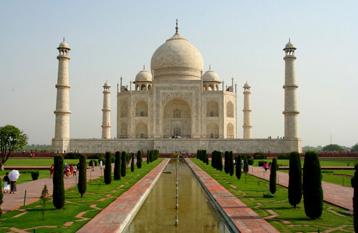 taj-mahal. India travel guide