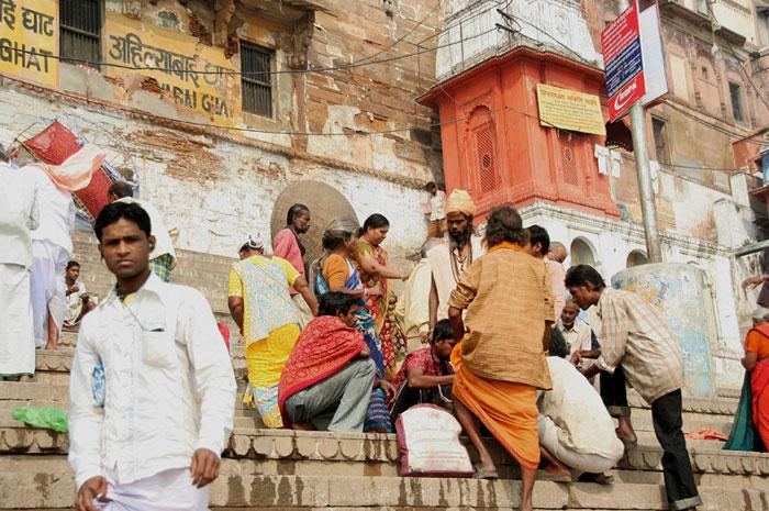varanasi-gente ghats asombrosas cosas que hacer en varanasi