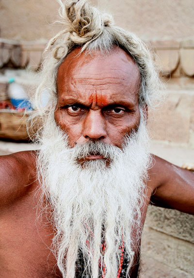 india-saddhus asombrosas cosas que hacer en varanasi