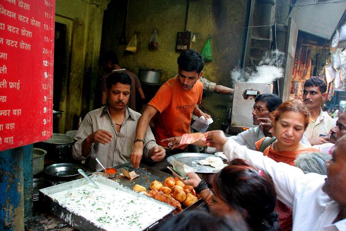 calles india asombrosas cosas que hacer en varanasi