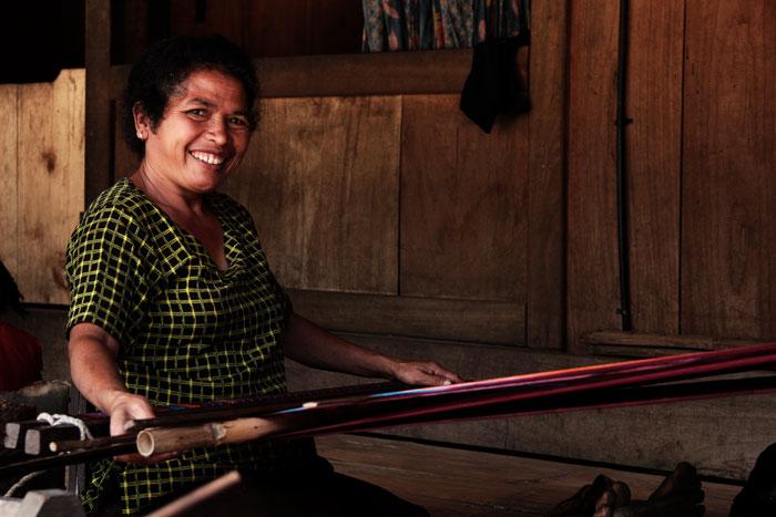 bajawa mujer indonesia isla de flores