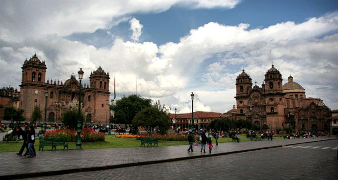 cusco churches backpacking in Peru. travel guide