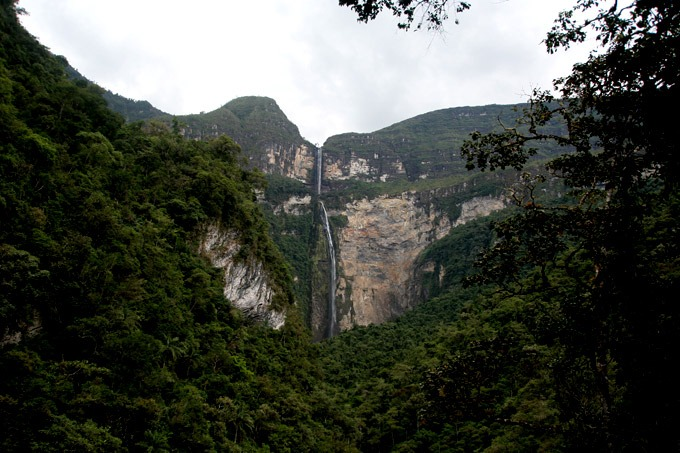 hike to the gocta falls in chachapoyas peru