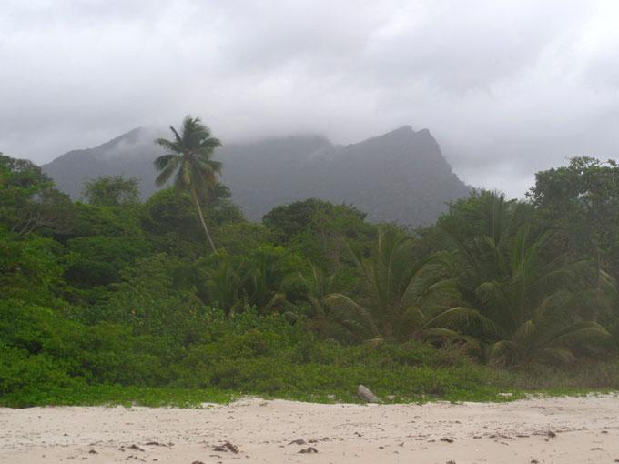 las cuevas trinidad mochilero por trinidad y tobago