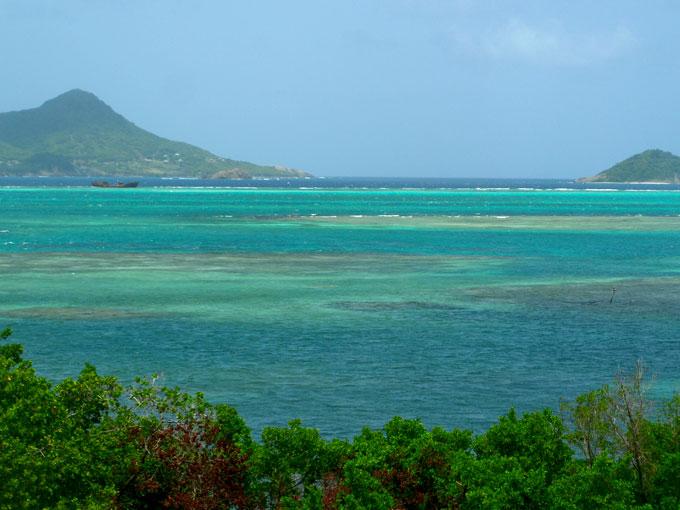 petite martinique isla de carriacou grenada mochilero por el Caribe