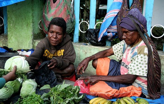 market wamena papua Hiking the Baliem Valley on a budget