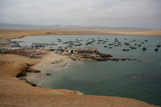 paracas coast backpacking in Peru. travel guide