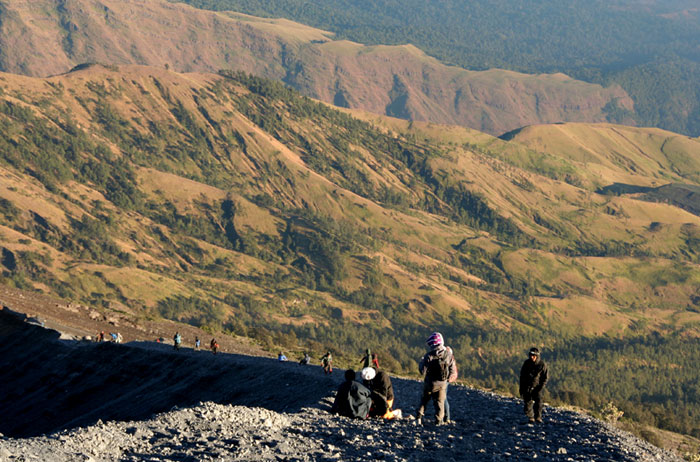 mount rinjani trek lombok indonesia
