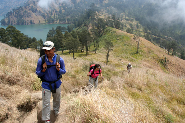 trail mount rinjani trek lombok indonesia