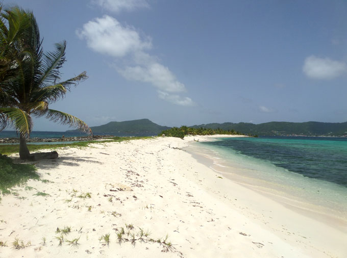 sandy island carriacou backpacking in grenada