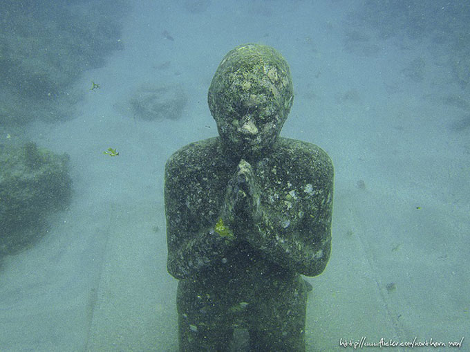 Underwater sculpture park. photo by northern man. flickr