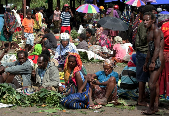 market wamena Hiking the Baliem Valley on a budget