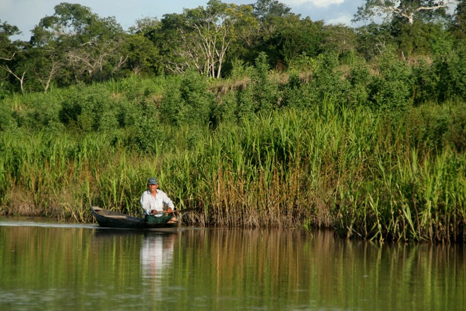 amazon fisherman Peruvian Amazon. How to get to Iquitos
