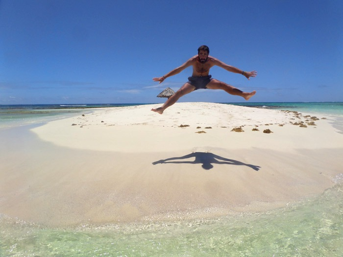 jumping morpion tobago cays backpacking in saint vincent and the grenadines