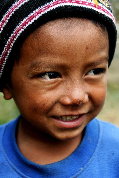 trekking al campo base del annapurna niños