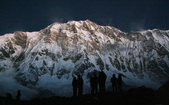 trekking al campo base del annapurna noche