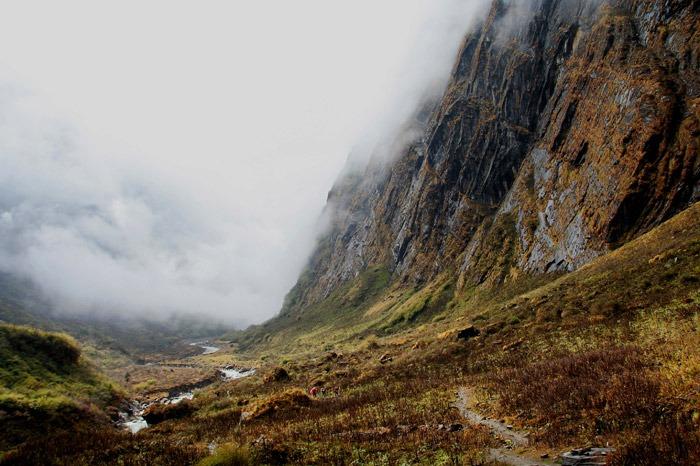 trekking al campo base del annapurna valle