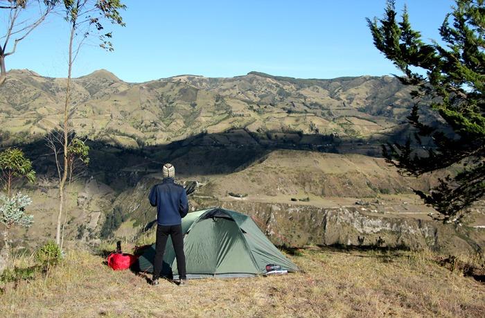 trekking al quilotoa loop isinlivi camping