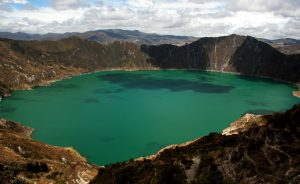 Best route for hiking the Quilotoa loop and Saquisilí market