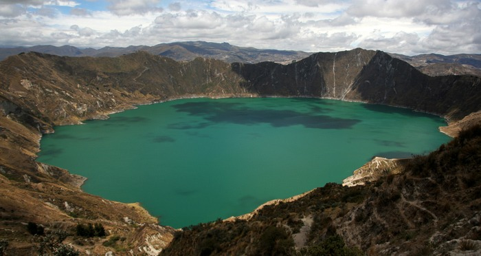 hiking the quilotoa loop lagoon lake