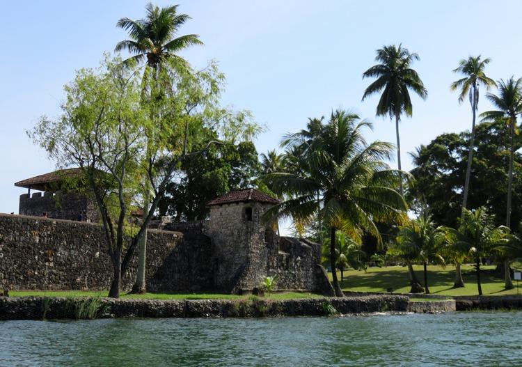 castillo san felipe visitando rio dulce y livingston