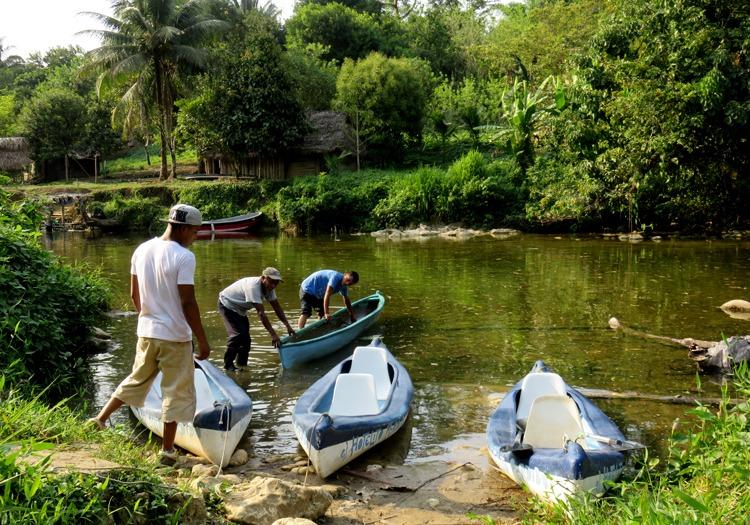 Kayaking visiting rio dulce and livingston
