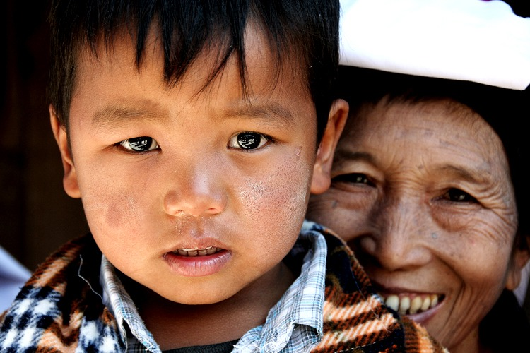kids namhsan travel to myanmar