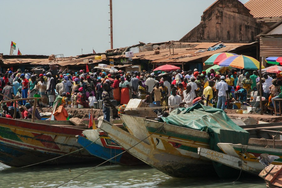 Mercado de pescado en Bissau