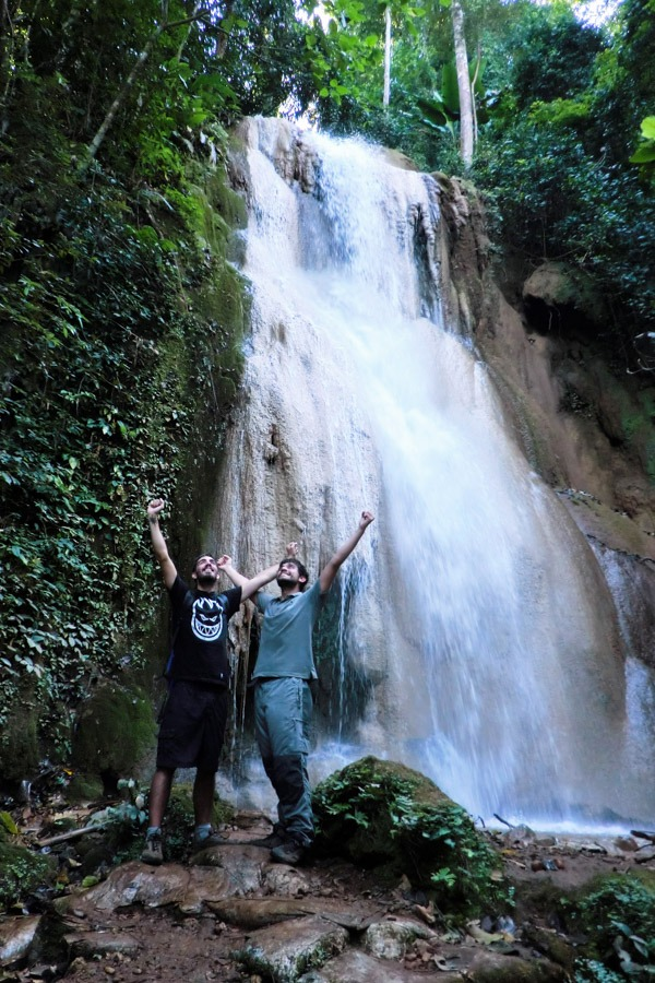 mae hong son loop waterfall