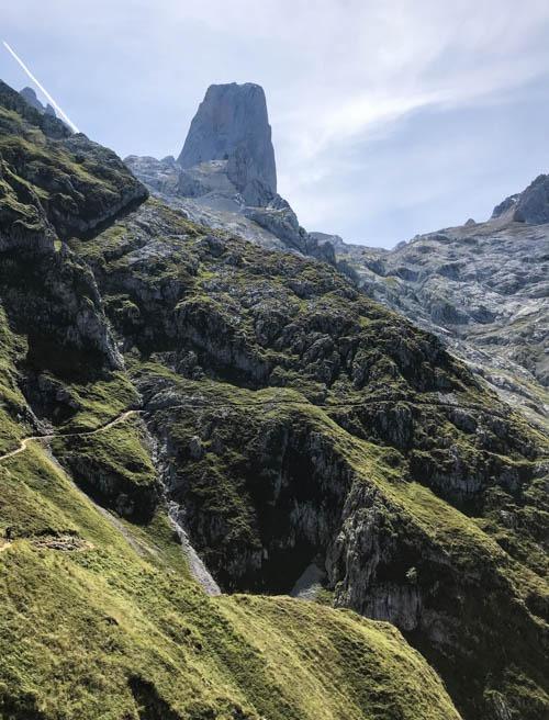 Naranjo de Bulnes best hikes in Picos de Europa